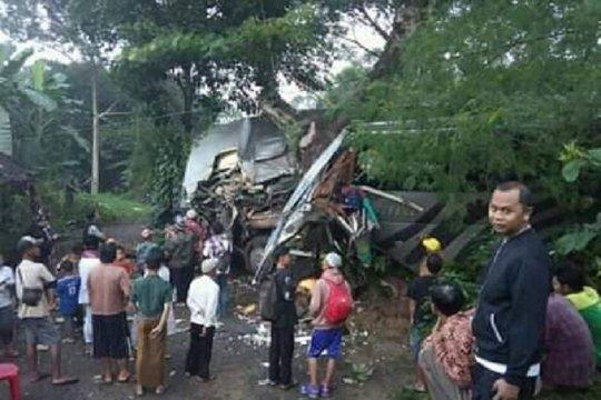 Dua pelajar tewas dalam kecelakaan bus study tour di Sukabumi