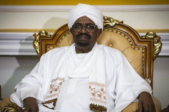 Mantan presiden Sudan mulai disidang dalam kasus korupsi