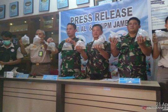 Patroli Lanal Palembang gagalkan penyelundupan benih lobster