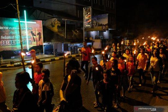Pawai obor menyambut Paskah di Ambon