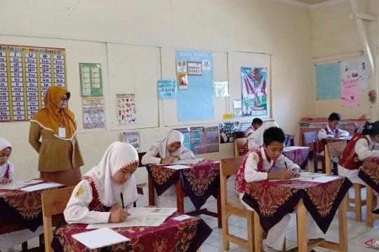 Diperkirakan anak usia masuk SD berkurang signifikan di Banjarmasin
