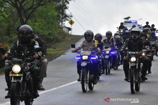 TNI-Polri patroli keliling pantau rekapitulasi surat suara