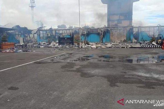 Kemenhub pastikan operasional Bandara Nabire normal usai terbakar