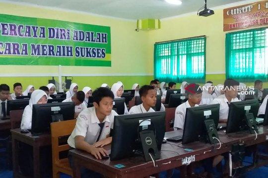 176 siswa SMP/MTs di Jember absen UNBK