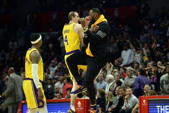 Laga pramusim NBA di Shanghai tetap digelar