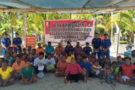 Polair sosialisasi jiwa nasionalisme bagi warga pulau Soop