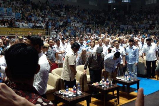 Prabowo bersama relawan gelar syukuran klaim kemenangan di TMII