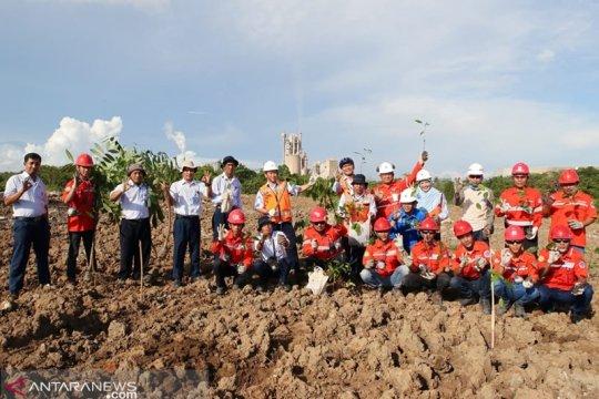 Indocement komitmen lestarikan lingkungan dengan menanam ratusan pohon