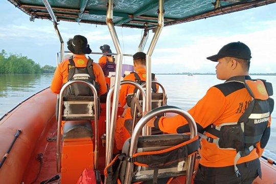 SAR gabungan temukan nelayan tenggelam di Sungai Sambas-Kalbar