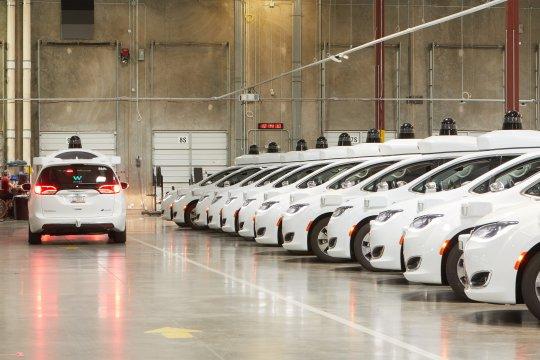 Waymo bawa kendaraan otonom ke LA untuk uji coba