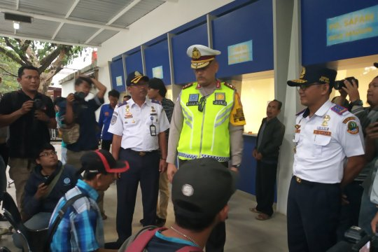 Kakorlantas terkesan pengelolaan terminal Harjamukti Cirebon