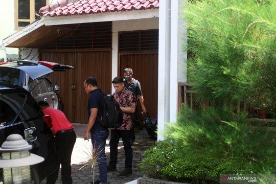 Sekda memilih bungkam terkait penggeledahan rumah Bupati Solok Selatan