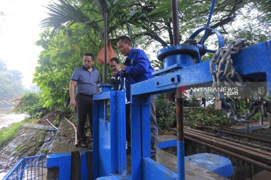 Luapan air Cisadane banjiri empat kecamatan di Kota Tangerang