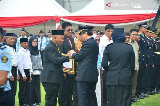 Kota Bekasi terima penghargaan Menkumham