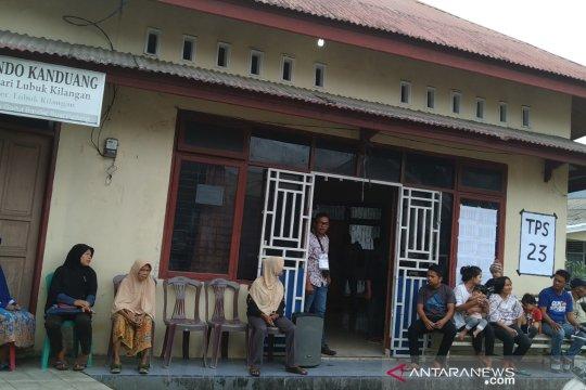 Cuaca buruk, partisipasi pencoblosan ulang di Padang menurun