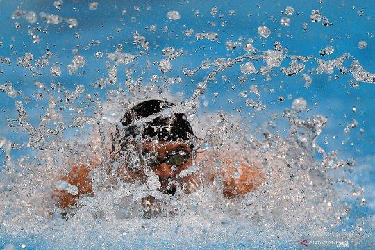 Glenn Victor fokus gerakan dalam air