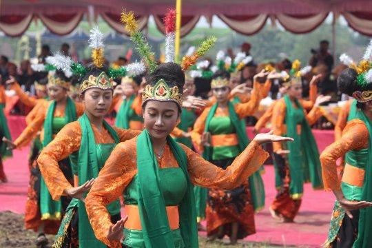 Seribu penari mayang rontek warnai festival budaya Majapahit