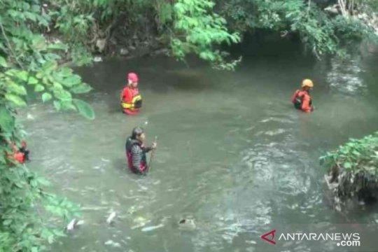 Siswa kelas satu SD di Bekasi hilang terbawa arus Sungai Jambe