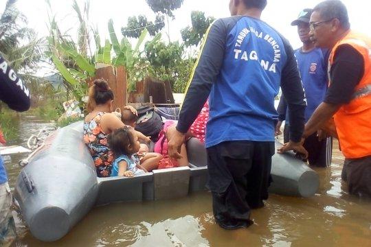 Sejumlah ruas jalan di Singkawang tergenang banjir