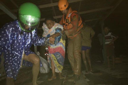 Korban banjir bandang di Sigi-Sulteng berhasil dievakuasi tim SAR