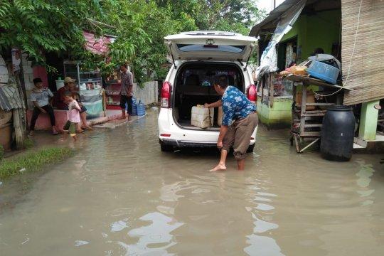 Banjir terjang ratusan hektare tambak ikan siap panen di Tangerang