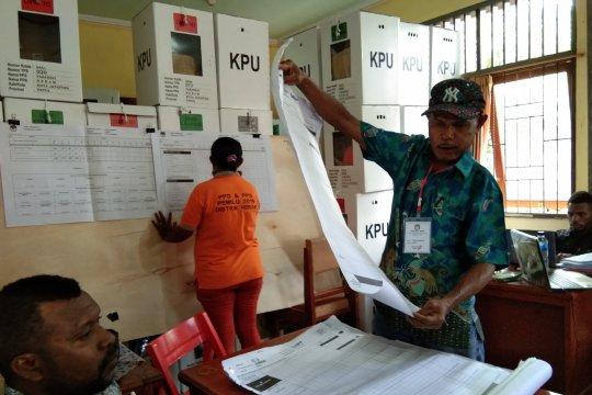 Jokowi-Ma'ruf ungguli Prabowo-Sandi di Hedam-Kampung Waena