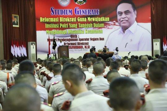 Menteri PANRB sebut reformasi birokrasi penopang Polri masa depan
