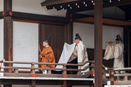 Kaisar Jepang Akihito turun tahta setelah tiga dekade berkuasa