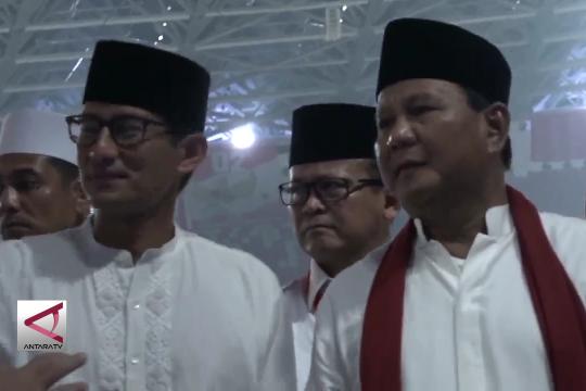 Awali kampanye akbar Prabowo-Sandi shalat Subuh berjamaah