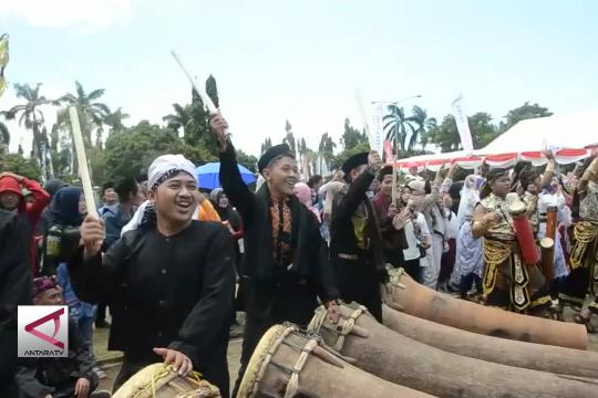 Menpar bantu 'Pandeglang Bangkit dan Selat Sunda Aman'