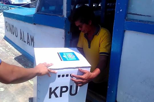 Kirim logistik pemilu antar pulau di Kep. Seribu