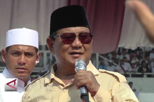 Prabowo: Masyarakat butuh pekerjaan bukan kartu