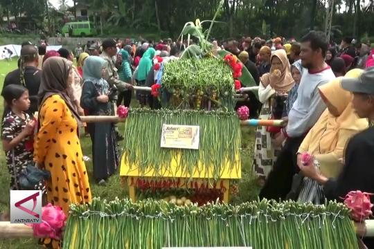 Membangkitkan lagi tradisi sedekah bumi di Kota Sukabumi