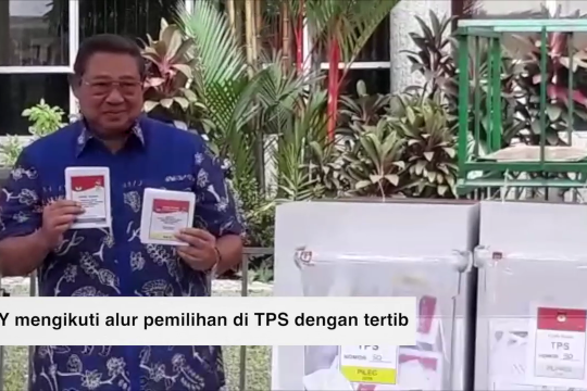 Flash - SBY nyoblos di Singapura