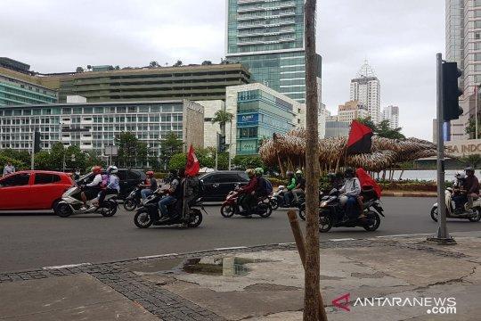 Hari Buruh Sedunia, arus lalu-lintas sekitar bundaran HI masih lancar