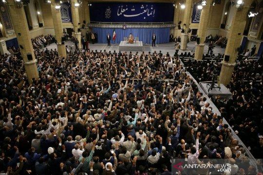 Ayatollah Ali Khamenei akan pimpin Shalat Idul Fitri di Teheran
