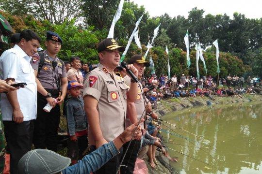 Kapolda Banten apresiasi ribuan buruh gelar lomba mancing ikan