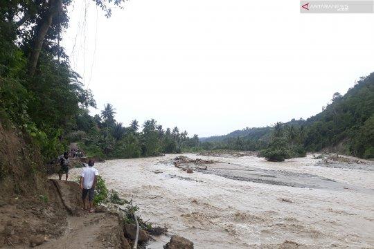 Jalur darat Palu-Kulawi kembali putus diterjang banjir