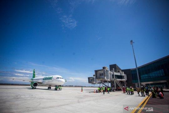 Uji coba perdana pesawat komersial di Bandara YIA