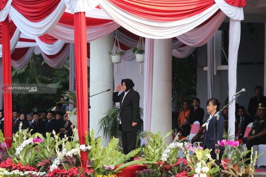 """Risma ajak warga Surabaya terapkan """"long life learning"""""""