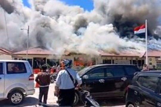 Gudang senjata di Mapolres Lampung Selatan ikut terbakar