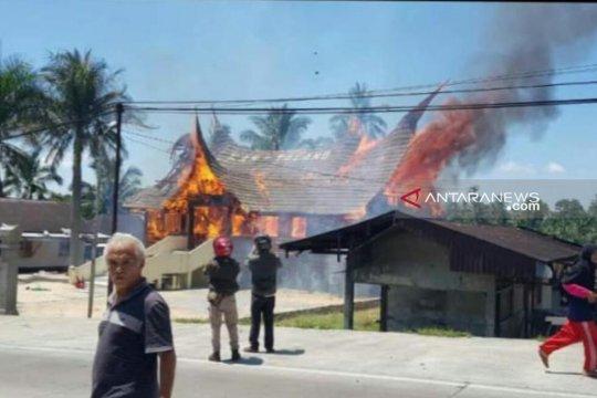 Kantor KAN Talang tempat penyimpanan sebagian logistik pemilu terbakar