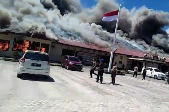 Kantor Polres Lampung Selatan terbakar diduga karena korsleting