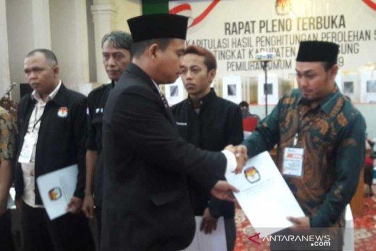 KPU Temanggung berikan santunan KPPS sakit