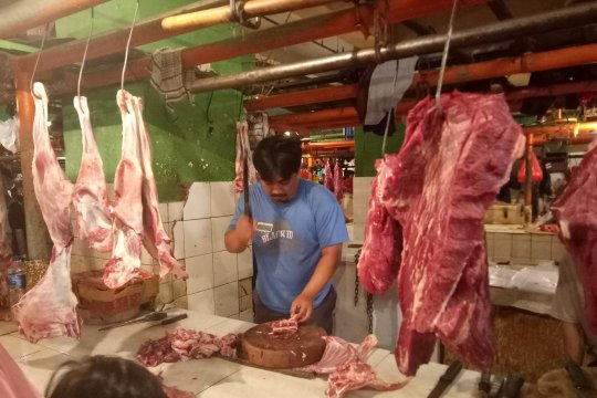 Harga daging ayam di Jakarta naik menjelang Ramadhan