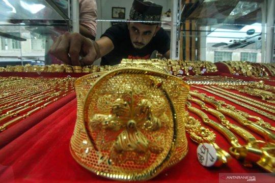 Harga emas berjangka naik dipicu pembelian aset investasi yang aman