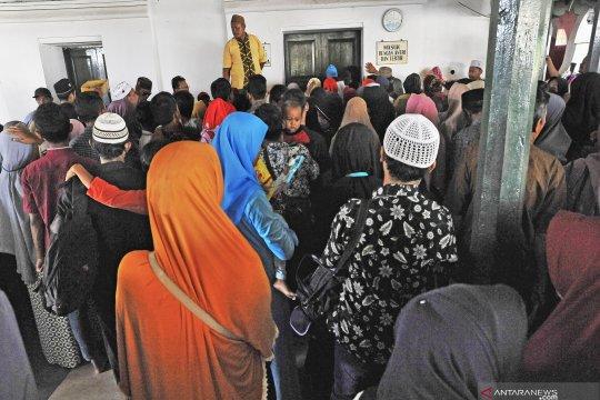 Ribuan peziarah padati Banten Lama usai Lebaran