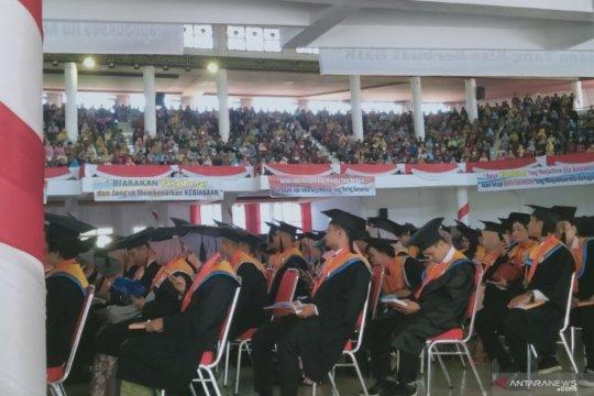 Ribuan lulusan Universitas Jambi diwisuda