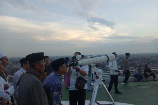 Pemantauan Hilal tertutup awan di Palembang