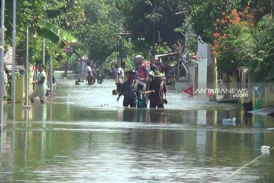 Gubernur Jatim janjikan normalisasi Kali Lamong untuk cegah banjir
